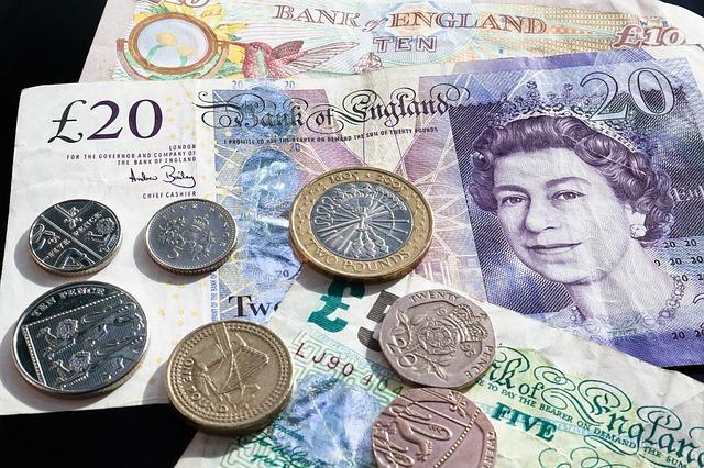 たくさんの外国紙幣