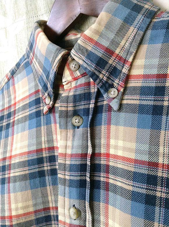 FACONシャツのアップ