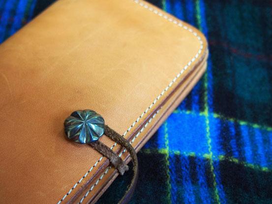財布とマフラー