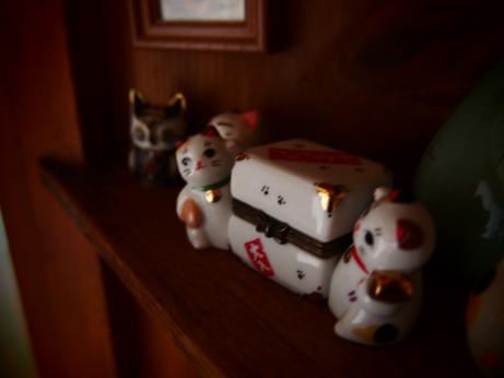 おもちゃの猫