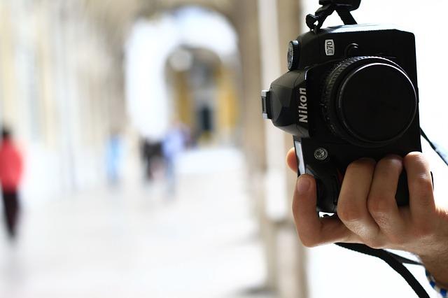 ブライダルカメラマンのカメラ