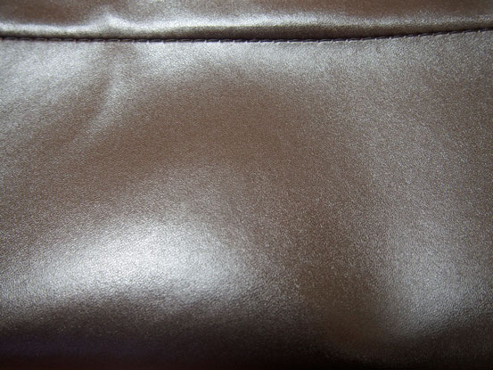 合成革のバッグ