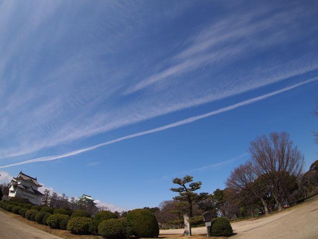 名古屋城と空