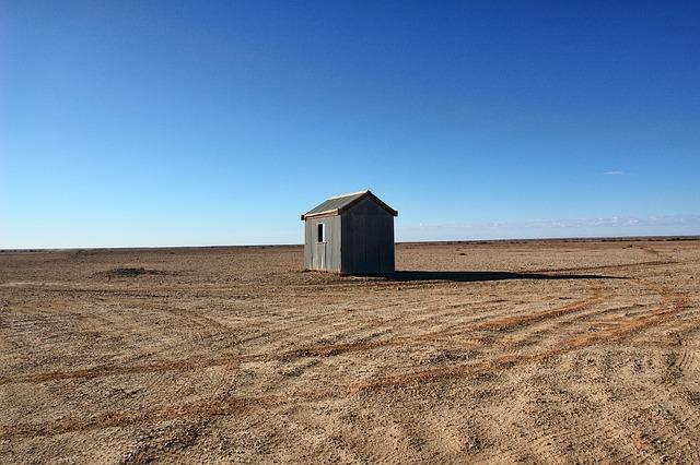 砂漠の小屋