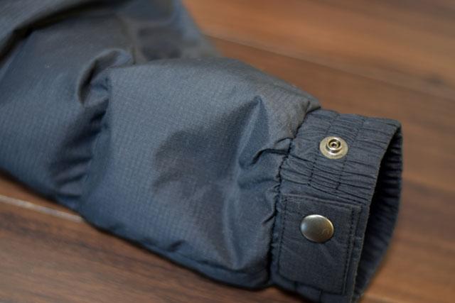 ダウンの袖部分