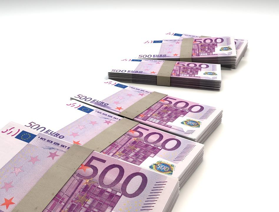 大量の紙幣