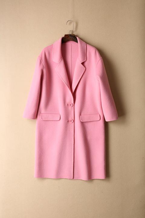 ピンクのコート全体